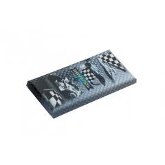 Фирменная плитка горького шоколада с логотипом RAVENOL®